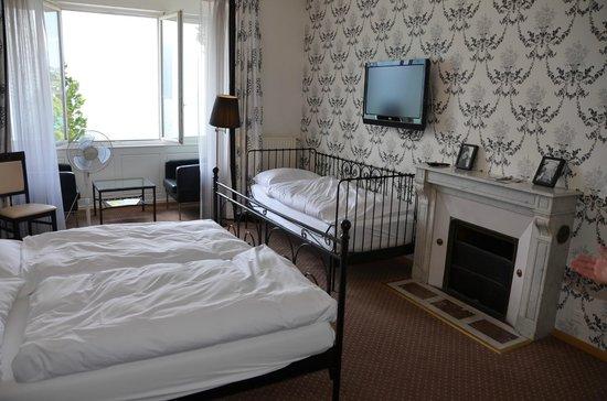 Hotel Splendid: room for 3 :)