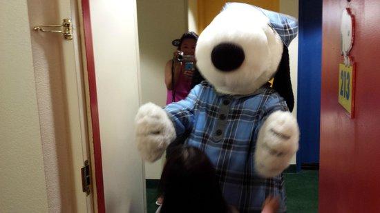 Knott's Berry Farm Resort Hotel: Enter Snoopy