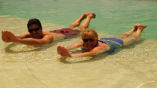 Grand Park Royal Cozumel : Piscina sin fin, al Mar Caribe