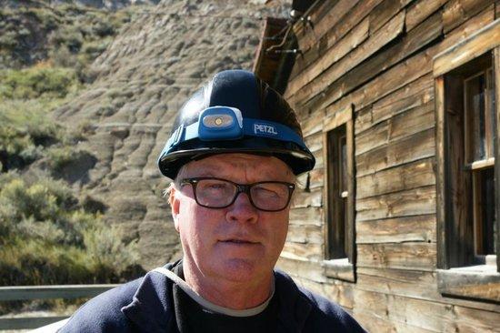 Atlas Coal Mine National Historic Site: Elderly tourist with helmet
