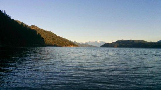 Harrison Eco Tours: Harrison Lake is beautiful