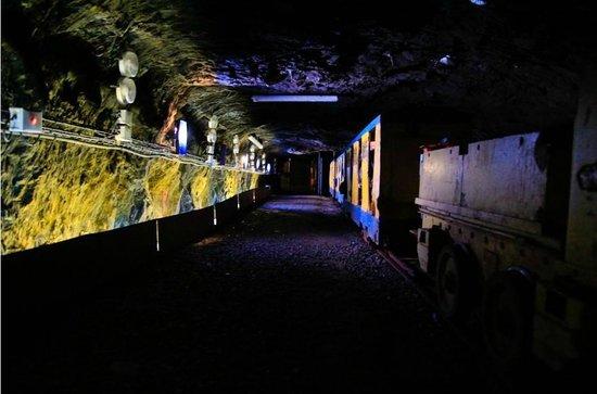 La Mine Bleue : le départ du TGV :) 800 mètres de trajet à 126 mètres sous terre !