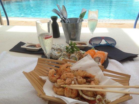 Cafe del Mar: Déjeuner - Sushis, Crevettes, Cava - Un délice