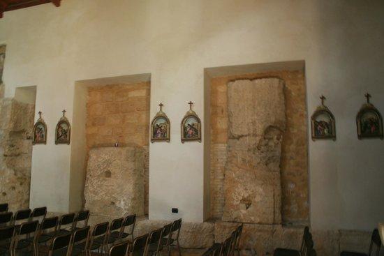 Chiesa di Santa Maria dei Greci: un particolare della parete laterale