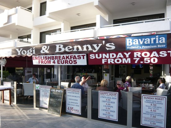 """Morasol Suites : Yogi and Bennys for an evening meal and """"football"""""""