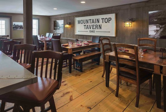 The Mountain Top Inn & Resort : Mountain Top Inn Tavern