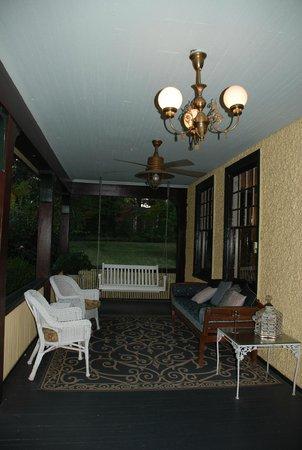 Carolina Bed & Breakfast: lovely porch