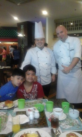 JPark Island Resort & Waterpark, Cebu: my sons with the very accommodating chefs