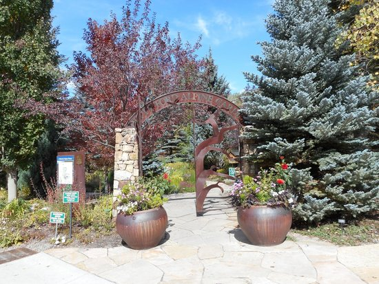 entrance to garden picture of betty ford alpine gardens vail. Cars Review. Best American Auto & Cars Review