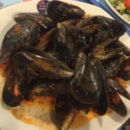 La Paradeta Sagrada Familia: ムール貝のトマトソース味