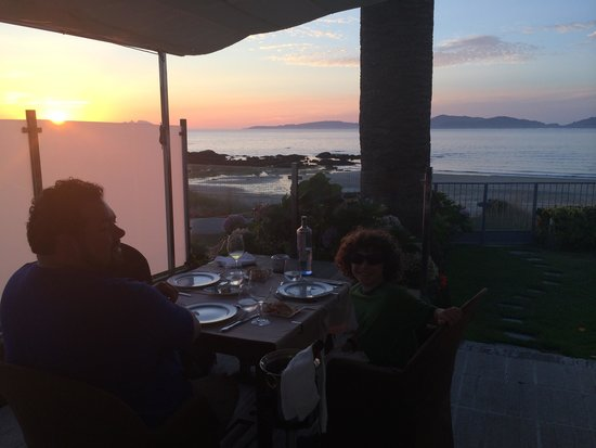 Timon Playa: Outdoor dinner with sunset was fantastic!