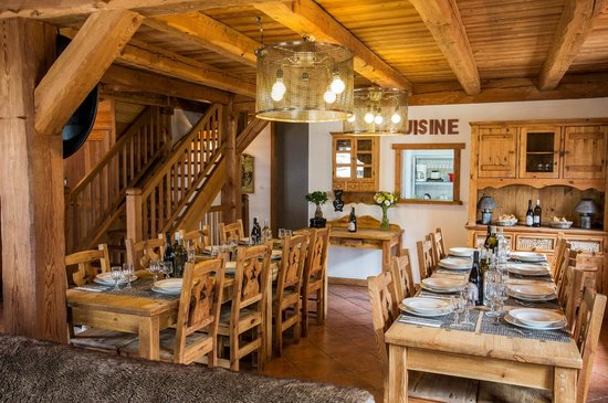 Neilson Chalet Chartreuse : Chalet Dining Area