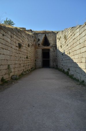 Citadel and Treasury of Atreus : Exterior of Tomb of Agamemnon