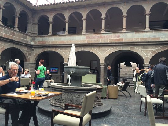 Novotel Cusco: Reception and dining area, so lovely