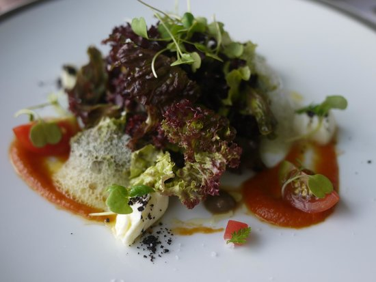 Restaurante Eleven: Caprese Salad - Eleven style.