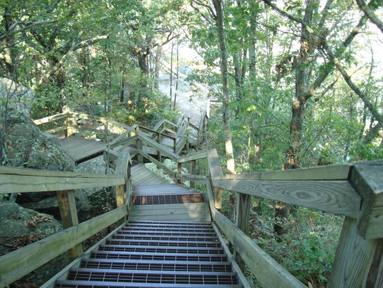 Fort Mountain State Park: Trail and stairs