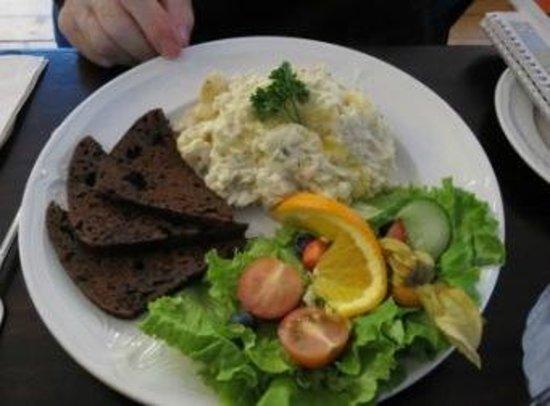 The Settlement Centre Restaurant: Plokkfiskur with rye bread