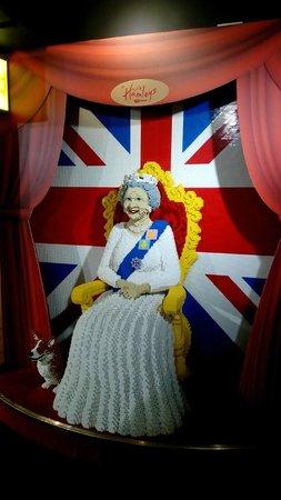 Hamleys Toy Store: La reine en Lego