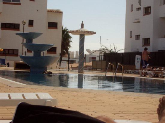 Aparthotel Oceanus: piscina