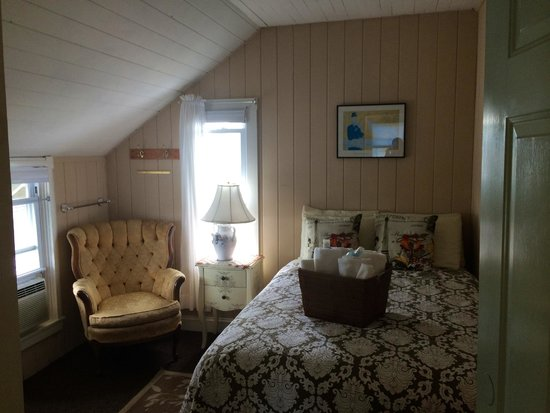 Nashua House Hotel: Adorable French-style room