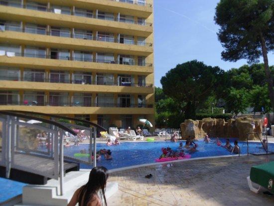 MedPlaya Hotel Calypso: rear pool