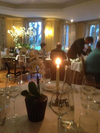 Chateau La Cheneviere: Dining Room
