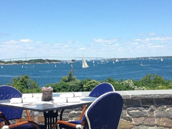 The Dining Room at Castle Hill Inn : Lunch overlooking the bay
