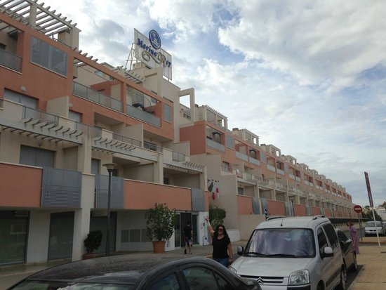 Marina Rey Apartamentos : Complejo desde fuera