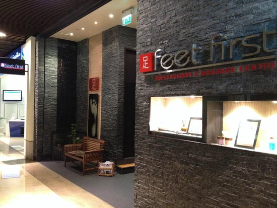 ‪Feet First Reflexology & Massage Centre‬