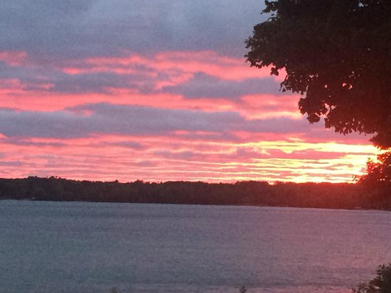 Torch Lake Bed & Breakfast : Torch Lake Sunset just perfect