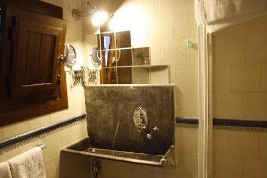 Hotel Rural & Spa Atxaspi: Detalle habitacion