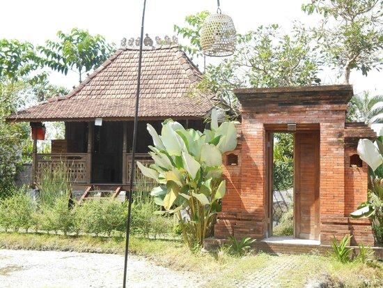 KajaNe Yangloni Private Boutique Health & Leisure Centre: bungalow bale