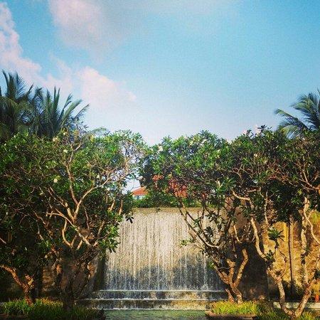 Conrad Bali: 入口處