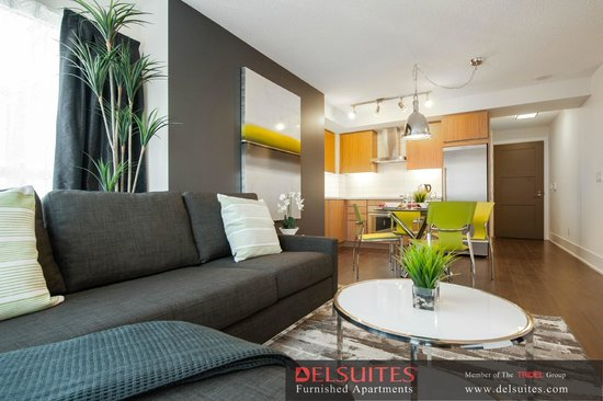 DelSuites Furnished Accommodations: Downtown Toronto - 300 Front St. West - Living Room