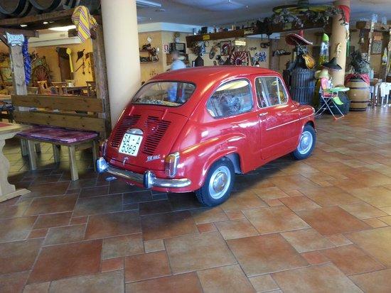 Fiesta: indoor car