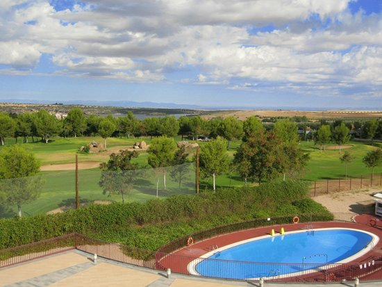 Hotel Layos Golf: Vistas a Piscina y Campo de Golf
