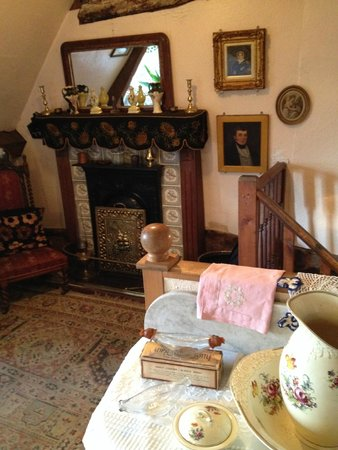 The Tudor House Museum: Old Days Inside A Bedroom