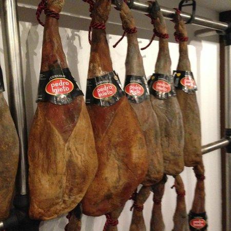 Restaurante Don Candido : Jamones Ibéricos de Bellota