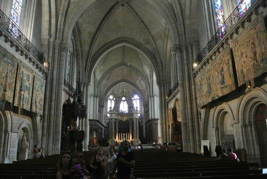Cathédrale Saint-Maurice : Интерьер
