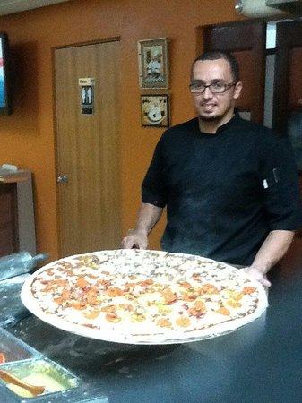 Family Pizza: La Family 29 pulgadas de sabrosa pizza!!