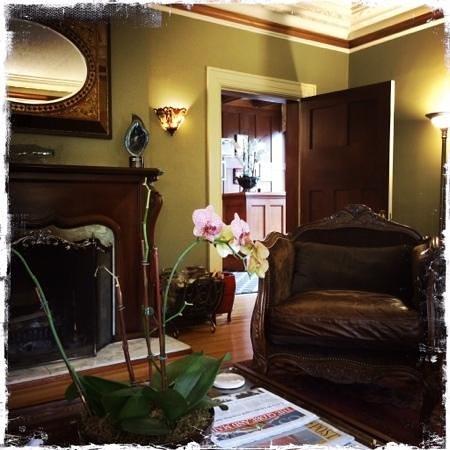 Abbeymoore Manor Bed and Breakfast Inn : Salon