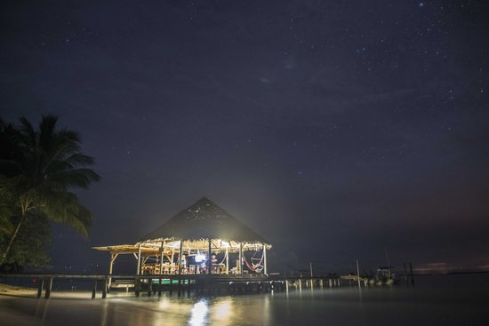 Casa Cayuco: BBQ on the dock under the stars