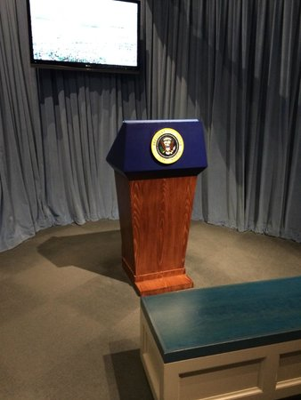 George Bush Presidential Library and Museum : Presidential Podium