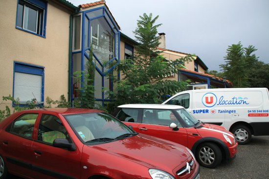 Hotel Hexagone: Parking Facilities