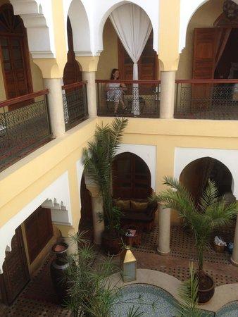 Riad Lena & SPA: Vue de la suite gingembre