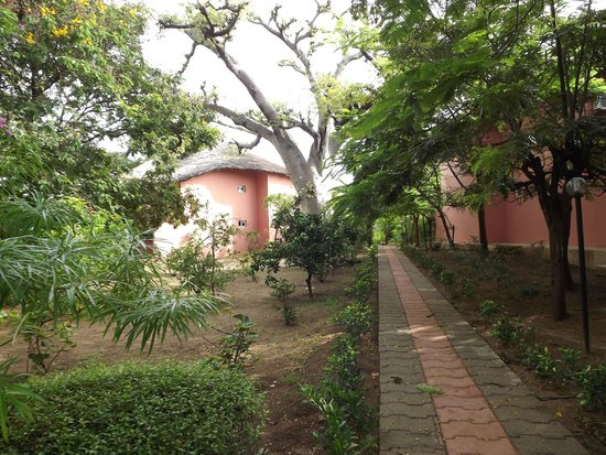 Hotel Club Royal Saly : jardin