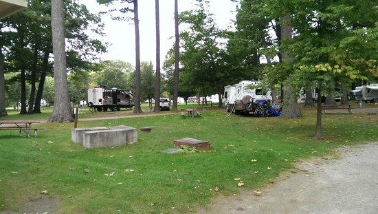 Sites picture of north beach campground burlington for Cabins burlington vt