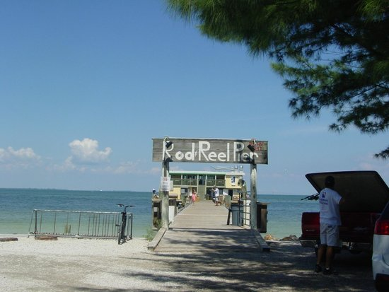 Rod & Reel Pier: Entrance to Rod and Reel