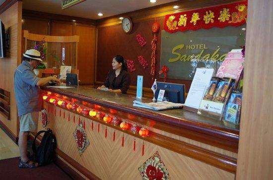 Hotel Sandakan : The Front Desk