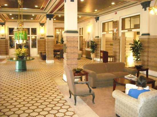 Pensacola Grand Hotel : Lobby